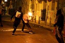 Εξάρχεια: Νέα βραδιά επεισοδίων με μολότοφ και πέτρες κατά αστυνομικών
