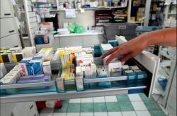 Με δόσεις αναγκάζονται να πληρώνουν τα φάρμακά τους Θεσσαλονικείς, λόγω οικονομικής στενότητας, σύμφωνα με τον ΦΣΘ