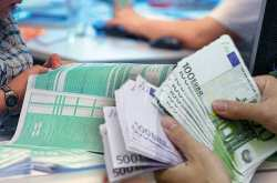 Βάζουν πάλι το χέρι στην τσέπη 250.000 αυτοαπασχολούμενοι με το νέο «βαρίδι»