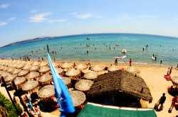Αυτές είναι οι καθαρότερες παραλίες της Αττικής - Δείτε που θα κολυμπήσετε φέτος!