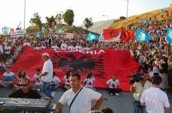 Απίστευτο το θράσος των Τσάμηδων! Πορεία στα Ελληνοαλβανικά σύνορα μέχρι τη Θεσπρωτία