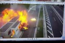 Βίντεο-ντοκουμέντο κατέγραψε καρέ-καρέ την Porsche να καρφώνεται σαν βολίδα στο αυτοκίνητο της οικογένειας (ΒΙΝΤΕΟ)
