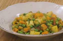Η συνταγή του Άκη Πετρετζίκη για λαδερό αρακά είναι μούρλια! (ΒΙΝΤΕΟ)