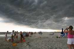 Τροπικός καιρός την Παρασκευή - Δείτε που θα βρέξει
