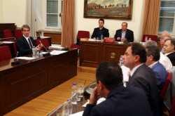 Σε υψηλούς τόνους η εξέταση Ανδρέα Λοβέρδου στην εξεταστική επιτροπή για την Υγεία