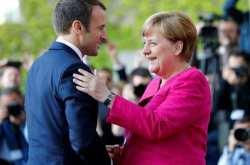 """""""Ανοιχτοί"""" στην ιδέα μιας αλλαγής των ευρωπαϊκών συνθηκών δηλώνουν Μέρκελ-Μακρόν"""