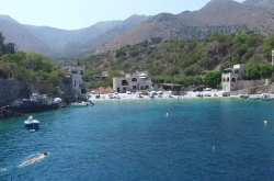 Η μαγευτική και ιδιόμορφα απομονωμένη Μάνη, η ιστορία της και οι μοναδικές παραλίες της (ΒΙΝΤΕΟ)
