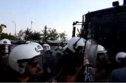 Ένταση, επεισόδια και χρήση χημικών στην παραλιακή λεωφόρο Θεσσαλονίκης (ΒΙΝΤΕΟ)