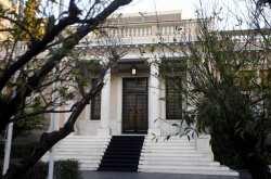 Κυβερνητικές πηγές: Ο κ. Μητσοτάκης αρνήθηκε οποιοδήποτε θεσμικό πλαίσιο διάσωσης για τα ΜΜΕ