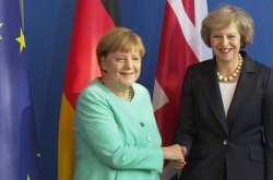 """Nein"" Μέρκελ στη διεξαγωγή παράλληλων διαπραγματεύσεων με την Τερέζα Μέι"