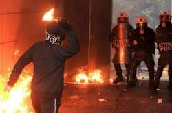 Νέα επίθεση με μολότοφ σε αστυνομικούς