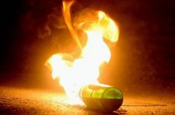 Επίθεση με μολότοφ σε διμοιρία ΜΑΤ στην Χαρ.Τρικούπη