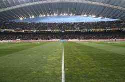 Οριακό παιχνίδι για ΑΕΚ, ντέρμπι στη Λάρισα