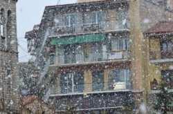 Ο καιρός τρελάθηκε! Χιονίζει σε Ιωάννινα και Ευρυτανία (ΦΩΤΟ+ΒΙΝΤΕΟ))