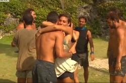 Survivor: Επιτέλους ειρήνη! Δείτε πως τα βρήκαν οι δύο ομάδες (ΒΙΝΤΕΟ)