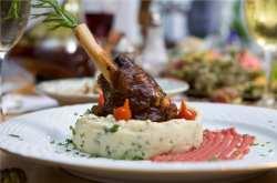 Η συνταγή της εβδομάδας: Αρνίσιο Κότσι με Πουρέ Πατάτας