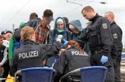 Οι γερμανικές αρχές θα παρακολουθούν τα κινητά τηλέφωνα των προσφύγων