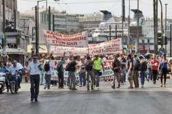 Σε κλιμάκωση των κινητοποιήσεων τους στα λιμάνια του Πειραιά και της Θεσσαλονίκης προχωρούν οι εργαζόμενοι