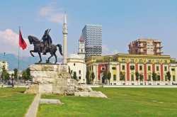 ΥΠ.ΕΞ. για τις πέτρες των Φιλιατών στα Τίρανα: Η Ελλάδα δεν θα ανεχθεί αλυτρωτικές συμπεριφορές της Αλβανίας