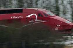 Η σφοδρή θύελλα καθήλωσε τρένο Thalys στη βόρεια Γαλλία