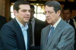 Οι δύο ηγέτες ανταλάσσουν απόψεις ενόψει της συνέχισης της διάσκεψης για το Κυπριακό