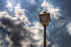 Καιρός 23/04: Ανεβαίνει η θερμοκρασία  - Συνεχίζονται οι βροχές