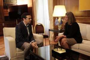 Τσίπρας σε Μογκερίνι: Αναζητούμε μία δίκαιη λύση στο Κυπριακό