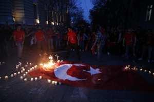 Ούτε στην Αθήνα επετράπη η θυροκόλληση του υπομνήματος των Αρμενίων στην Τουρκική Πρεσβεία