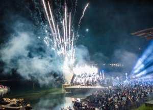 Αντώνης Ρέμος: Δίνει... ρέστα με τις συναυλίες! (ΦΩΤΟ)