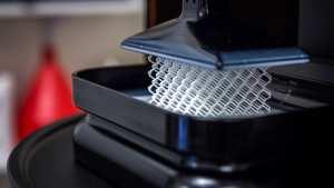 Ο πρώτος 3D εκτυπωτής για εντυπωσιακές γυάλινες δημιουργίες (ΦΩΤΟ)