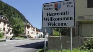 Έκπληξη στην Ιταλία από την απόφαση της Αυστρίας να στείλει στρατό στα σύνορα