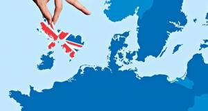 Βρετανία-ΕΕ-Brexit: Το Λονδίνο λύνει τους κάβους