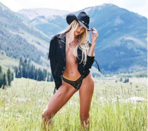 Η Candis Swanepoel κάνει την Άγρια Δύση... επικίνδυνα σέξι (ΦΩΤΟ)
