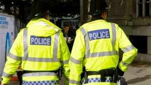 Έκρηξη στο Μάντσεστερ: Ένοπλοι αστυνομικοί θα περιπολούν για πρώτα φορά σε τρένα σε όλη την Βρετανία