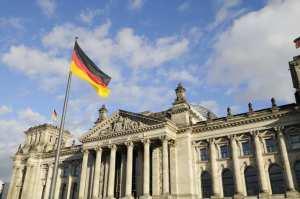 """""""Είμαστε πιο ανταγωνιστική οικονομία από την αμερικάνικη"""", δήλωσε ο αντικαγκελάριος της Γερμανίας Ζίγκμαρ Γκάμπριελ"""