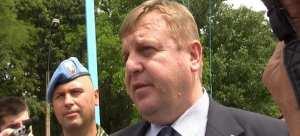 Σκληρή στάση έναντι των μεταναστών που εισέρχονται στην Ευρώπη προτείνει ο Υπουργός Άμυνας της Βουλγαρίας