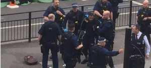 Για τρομοκρατία κατηγορείται ο άνδρας που συνελήφθη οπλισμένος στο κέντρο του Λονδίνου (ΦΩΤΟ-ΒΙΝΤΕΟ)