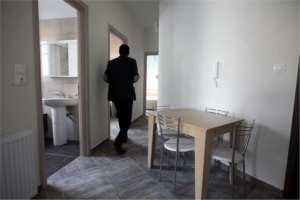 Μια πολυκατοικία στα Σεπόλια για τη φιλοξενία άστεγων οικογενειών, παραχωρήθηκε στον Δήμο Αθηναίων