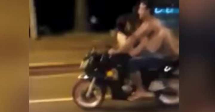 Ζευγάρι κάνει σεξ πάνω σε μοτοσικλέτα εν κινήσει